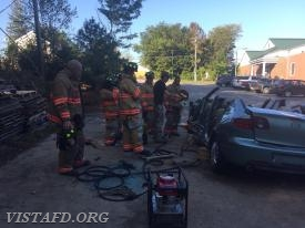 Pound Ridge FD Chief Eddie Trail showing our Vista Firefighters several Extrication tactics