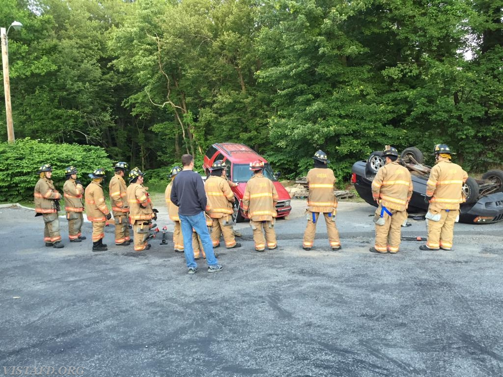 Vista Firefighters learning how to operate the stabilization tools & equipment