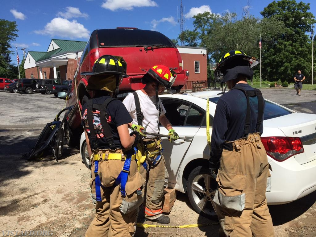Lt. Phil Katz going over how to spread open a car door using the irons